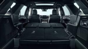 Ford Explorer mit umgelegten Sitzen
