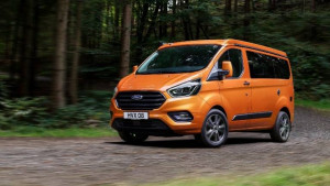 Ford Transit Custom Nugget orange